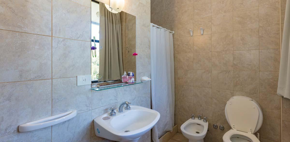 Baños privados de los dormitorios San Andres